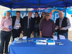 García-Margallo visitando y apoyando las carpas informativas del PP de Alicante / PP Alicante
