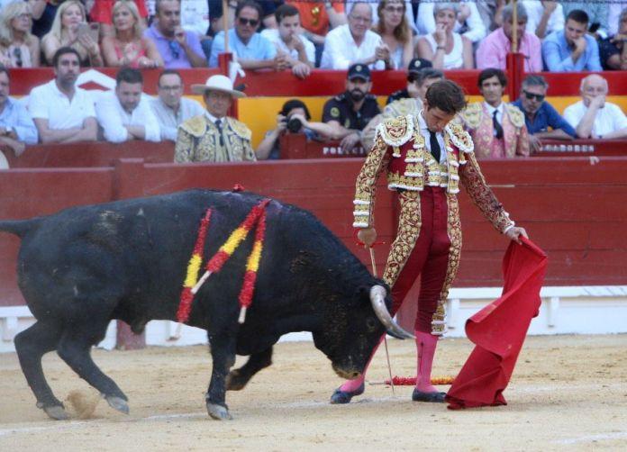 El Juli toreando en Alicante / Aplausos