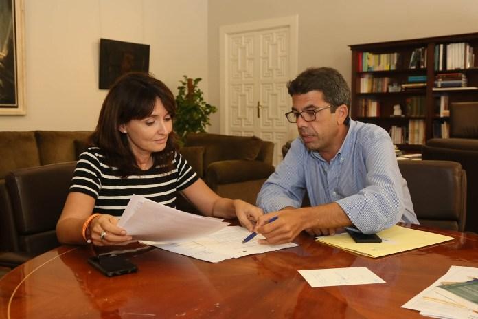 Imagen de la reunión entre Carlos Mazón y Julia Parra / Diputación de Alicante