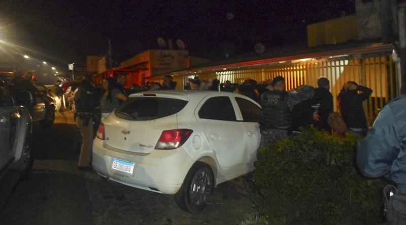 Negligência e aglomerações rendem multas no fim de semana, em Curitiba