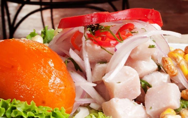 Ceviche de pescado peruano