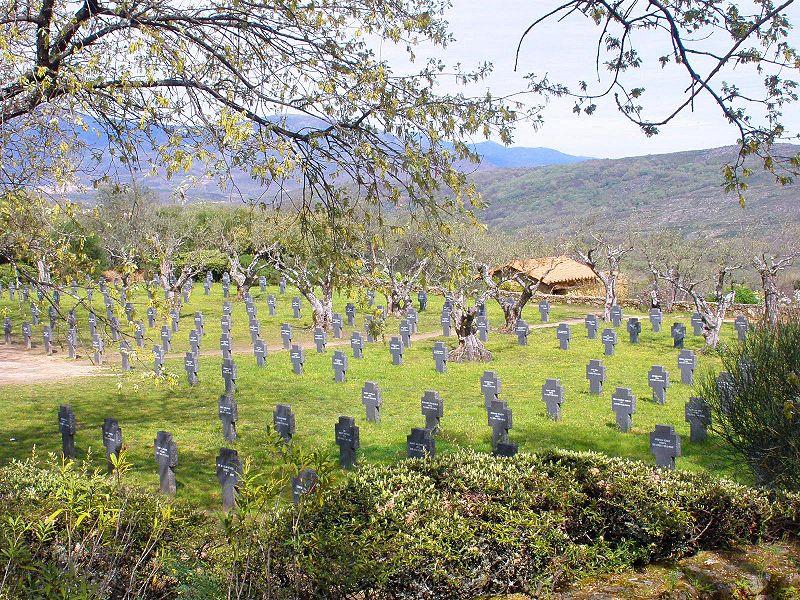 Cuacos_de_Yuste_-_Cementerio_Militar_Aleman