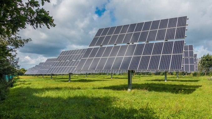 renovables-photovoltaic-system-2742302_1280