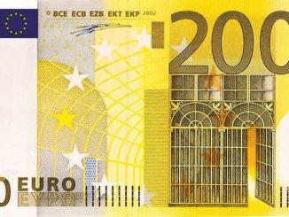 200-euros-dollar-bill-166311_1280
