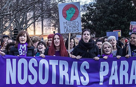 Debido a la brecha salariar, desde hoy las mujeres trabajan gratis