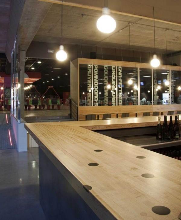 scar Vidal recicla pistas de bolos de madera en el restaurante Ozone Bowling de Moraira Alicante  diariodesigncom
