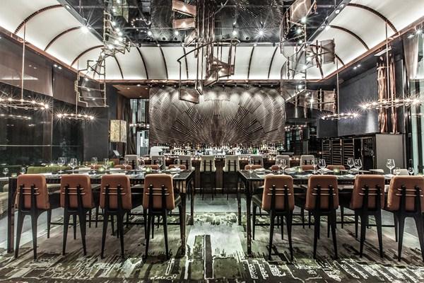 Ammo Caf un restaurante en Hong Kong que homenajea a su pasado como almacn de explosivos