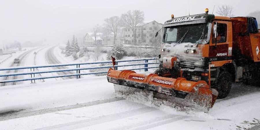 restringido, paso, camiones, A-23, nieve,