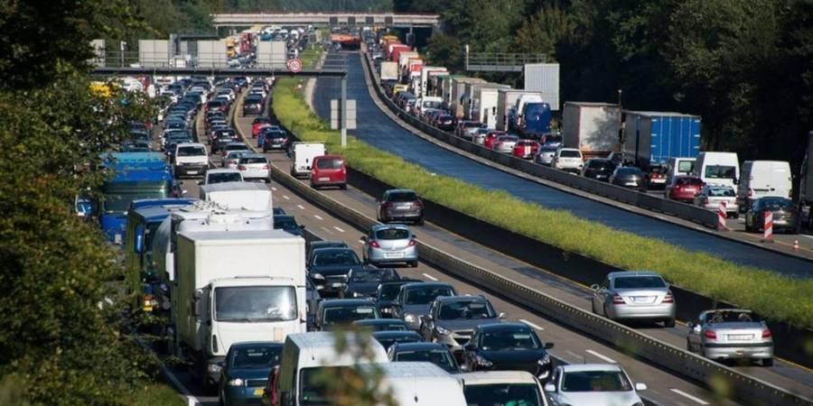 mucho tráfico, salida grandes ciudades, Guardia Civil, control, desplazamientos