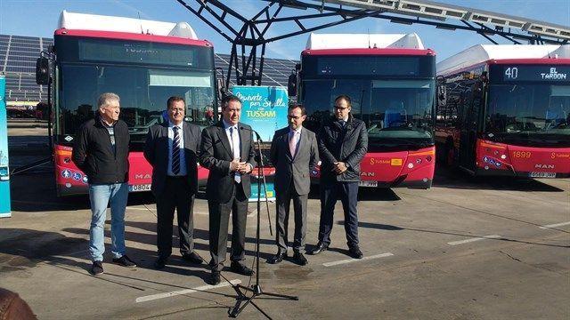 Tussam sevilla pone en servicio 15 autobuses propulsados for Oficina gas natural sevilla