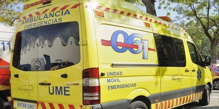 tres, heridos, uno, grave, colisión, turismos, camión,