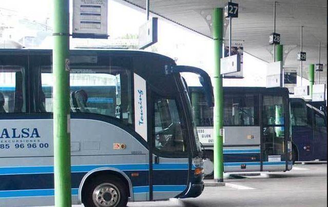 pasajera, parar, autobús, desvanecimiento, conductor,