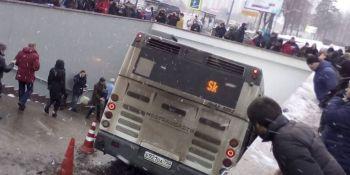 fallecen, personas, atropelladas, autobús, Moscú,
