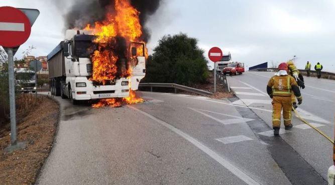 arde, motor, camión , Torrevieja,