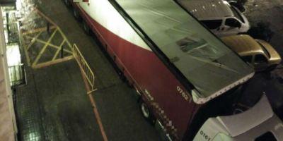 horas, atascado, camión, Borja, salir, marcha, atrás,