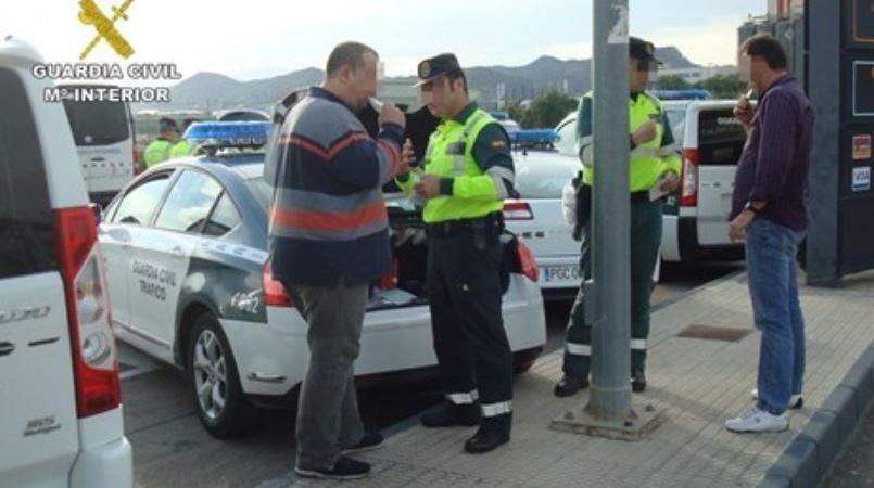 Murcia, interceptados, detenidos, conductores, camión, tres, positivo, alcohol, drogas,
