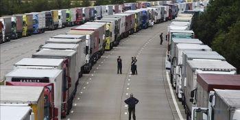 Un informe sobre el Brexit prevé colas de 7.000 camiones