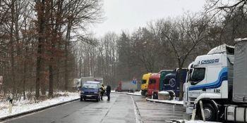 tres, arrestados, sospechosos, muerte, camionero, Alemania, área de descanso,