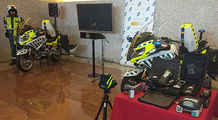 DGT, Semana Santa, presentación, equipos, campaña. motos, equipos,