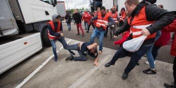 camionero, manifestante, pelea, Lidl, Bélgica