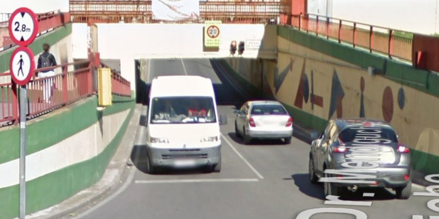túnel, camiones, Leganés, traga camiones, años, altura.,