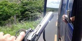 diputado, brasileño, camioneros, Gobierno, portar, armas, transporte internacional,