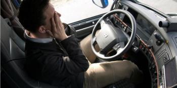 somnolencia, impactante, vídeo, accidente, camionero, duerme, volante,