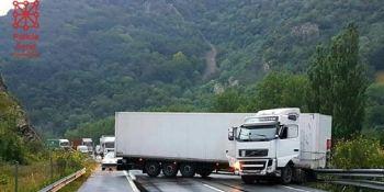 habilitado, carril, A-15, tijera, camión,