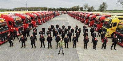 camioneros, empresa, transportes, capacitación, profesional, conductores, camiones,