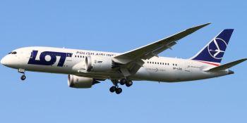 aerolínea, polaca, pide, pasajeros, paguen, reparación, avión, volar,