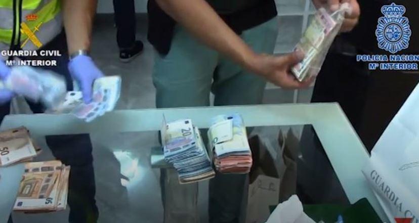 Guardia Civil, Policía Nacional, detenidos, robos, camiones, venta, euros,