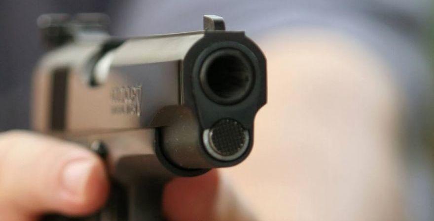 herido, bala, camionero, robaron, 9.000, euros,