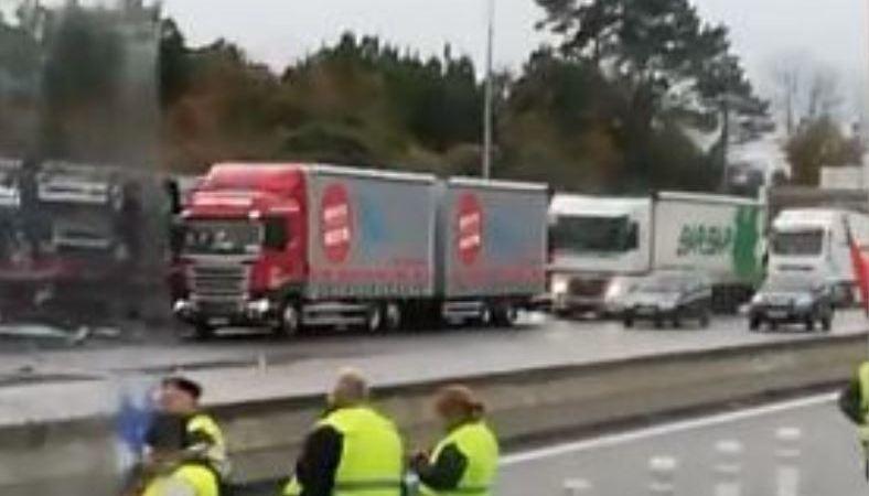 chalecos amarillos, frontera, Francia, Irún, retenciones, camiones,