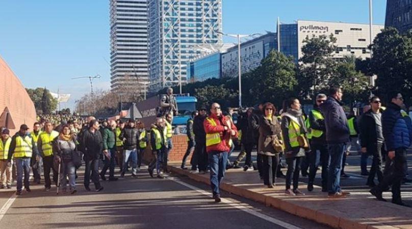 heridos, Mossos, Guardia Civil, enfrentamientos, taxistas, Barcelona, taxi, sector, actualidad,