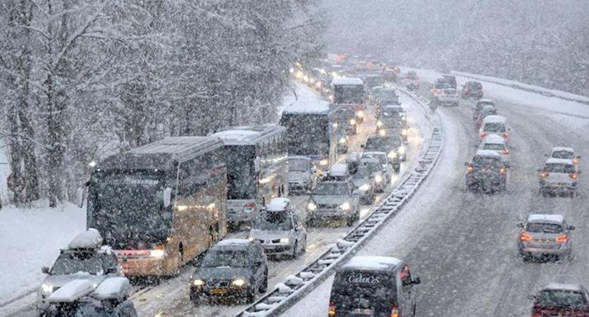 problemas, nieve, norte, Francia, aeropuertos, carreteras, camiones, temporal, Gabriel,