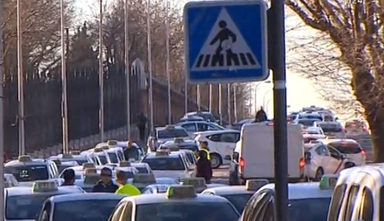 taxistas, Madrid, fin, huelga, indefinida,