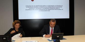 firman, convenio, F.P. dual ,región, Murcia, consejería, educación,