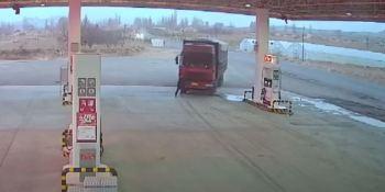 camionero, China, detener, camión, sin freno, sucesos, sociedad,