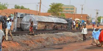 fallecen, personas, explosión, camión, cisterna, Nigeria,
