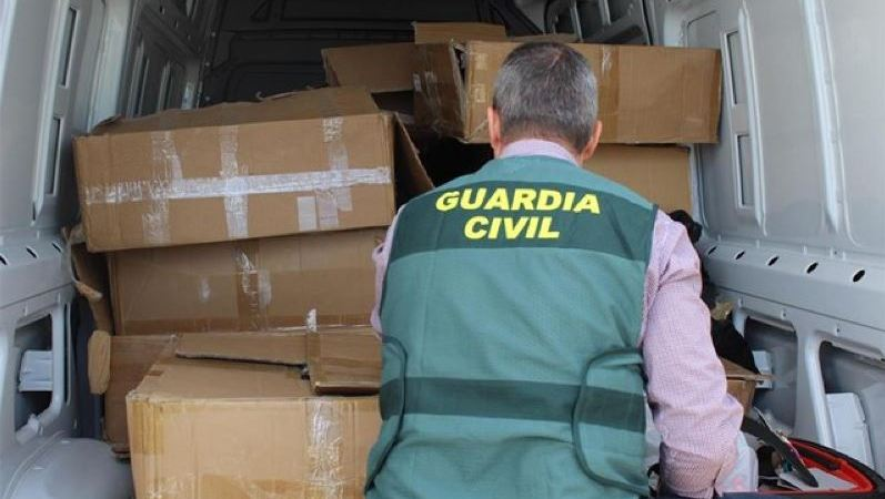 detenidas, personas, venta, ropa, robada, dos, camiones, Madrid,