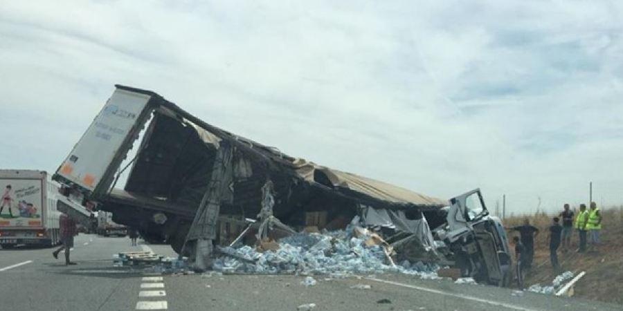 herido, camionero, vuelco, vehículo, A-62