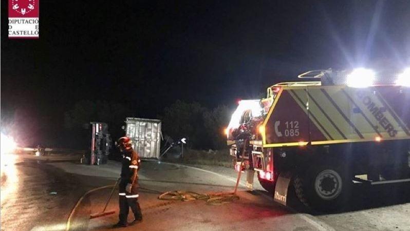 dos, heridos, colisión, camiones, AP-7