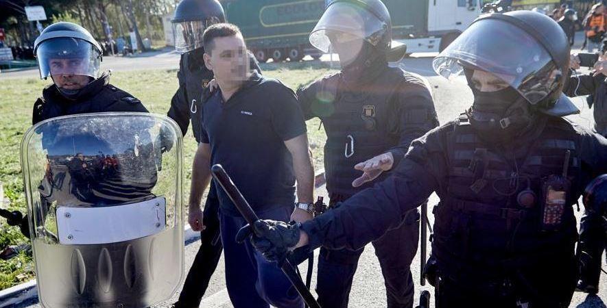 camionero, detenido, incidente, manifestantes,