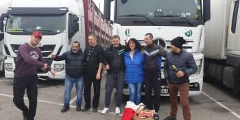 iniciativa, solidaridad, camioneros, áreas de servicio, Navidad,