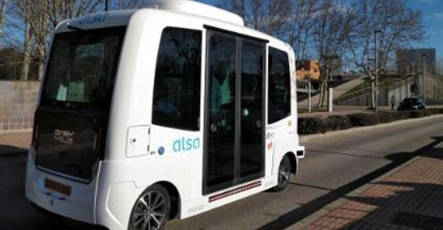 EZ10, primer, autobús, autónomo, universitario, España, vídeo,