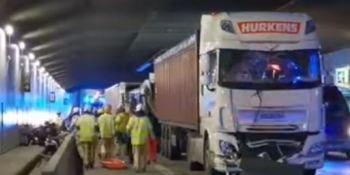 accidente, Amberes, camiones, coche, autobuses,