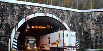 asociaciones, transportistas, contra, prohibir, tráfico, camiones, n-121-a,
