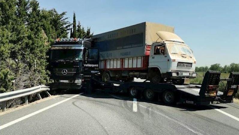 afecciones, tráfico, A-62, accidente, camión, sentido, Burgos,