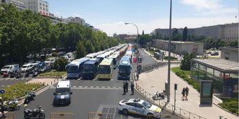 Los autobuses turísticos y escolares demandan ayudas