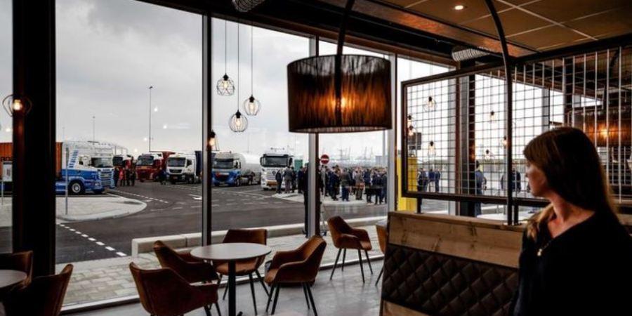 El Puerto de Rotterdam ya cuenta con 945 plazas de aparcamiento para los camiones